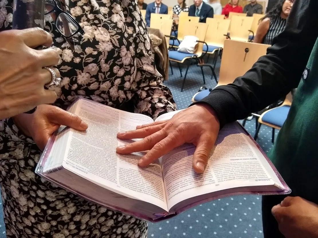 aceitando a Jesus - Bem vindos à Igreja Brasileira